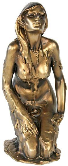 Diese dekorative Skulptur ist ein echter Blickfang für Ihr Zuhause. Das fantastische Glanzstück ist eine wunderschöne Liaison zwischen guten Stil und unverwüstlicher Qualität. Die bronzefarbene Frau ist aus Kunststein gefertigt und hat eine Höhe von 31 cm.   Artikeldetails:  Dekorative Skulptur, Handbemalt, Bronzefarben,  Maße:  Höhe: ca. 31 cm,  Material/Qualität:  Aus Kunststein (Polyresin), ...