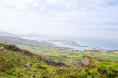 Balade sur l'anneau du Kerry en Irlande...   #kerry #alainntours #irlande #ireland Photo Souvenir, Mountains, Nature, Travel, Mountain Pass, White Sand Beach, Nice Beach, Family Vacations, Ride Or Die