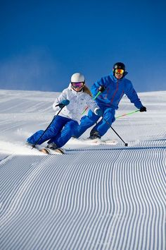 Alpine skiing // groomed slopes