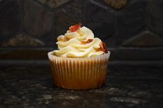 Breakfast of Champions: This cupcake is made with Ethos IPA from Tallgrass Brewery (Manhattan, KS). Topped with a maple, Ethos buttercream then sprinkled with candied bacon. Beer Cupcakes, Candied Bacon, Breakfast Of Champions, Ipa, Brewery, Manhattan, Sprinkles, Desserts, Food