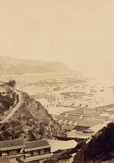 Vista desde el cerro Concepción Paris Skyline, Travel, Vintage, White Photography, Seaside, Cemetery, Viajes, Destinations, Traveling