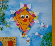 Vlieger met strikjes Kite Making, Board Decoration, Toddler Crafts, Kids And Parenting, Carnival, Preschool, Projects To Try, Activities, Christmas Ornaments