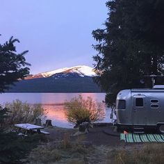 @asolojourner at Diamond #lake #campground in #oregon. #airstream #liveriveted #rvlife #rvgems #homeiswhereyouparkit #rvliving #wanderlust #camp #fulltimerv #camplife #camping #travel #outdoors #nature #travelusa #wandering #offthegrid #campvibes #nomad #boondocking #roadtrip #traveltrailer #gorving #gypsy