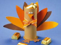 Turkey Treat Holder Making this fun-and-easy Turkey Treat Holder not only gets… Thanksgiving Crafts For Kids, Thanksgiving Treats, Fall Crafts, Holiday Crafts, Holiday Fun, Thanksgiving 2017, Holiday Ideas, Diy Crafts For Girls, Crafts For Seniors