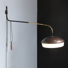 Gino Sarfatti; Enameled Metal, Chromed Brass and Perspex Wall Light for Arteluce, 1958.