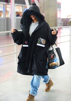 Rihanna Arrives Back in NYC 10/28