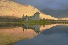 Amazing reflections at Loch Awe & Kilchurn Castle, Argyll Places In Scotland, Scotland Trip, England And Scotland, Scotland Travel, Amazing Photos, Amazing Places, Cool Photos, Architecture Ireland, Scottish Castles