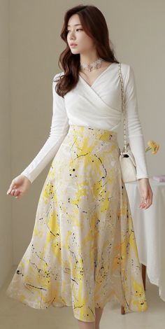Korean Women`s Fashion Shopping Mall, Styleonme. Flare Skirt Outfit, Midi Flare Skirt, Fit And Flare Skirt, Skirt Outfits, Dress Skirt, Flared Skirt, Floral Dress Outfits, Korean Fashion Dress, Modest Fashion