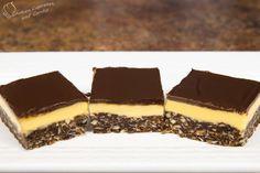 Nanaimo Bars Recipe from Cookies Cupcakes and Cardio Cookie Recipes video recipe Köstliche Desserts, Delicious Desserts, Dessert Recipes, Yummy Food, Xmas Recipes, Birthday Recipes, Italian Desserts, Nanaimo Bars, Cookies Cupcakes And Cardio