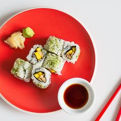 Sushi Dishes, Sushi Food, Rooftop Dining, Sushi Recipes, Sushi Rolls, Japanese Food, Avocado Toast, Menu, Lunch