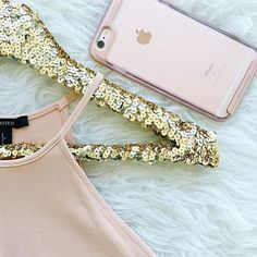 Friday night essentials.  #caseology #casequartz  #regram @champagneandsequins  Rose gold obsessed.  Thank you @caseology for this gorgeous phone case. by caseology