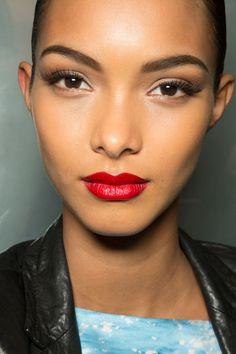 Lais Ribeiro gorgeous beauty.