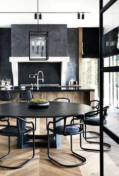 A muted palette of alternating black and white rooms lends a pleasing rhythm to this sophisticated Melbourne home with French and Belgian influence. Black And White Interior, White Interior Design, Interior Design Kitchen, Interior Design Inspiration, Interior Ideas, Interior Shop, Design Ideas, Modern Interior, Design Art