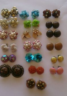Vintage Jewellery Earring Lot Clip Ons 19 Pairs Earrings In Clothes Shoes