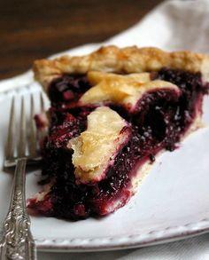 apple-blackberry pie with ginger #desserts #cakes #pies #apples #blackberries