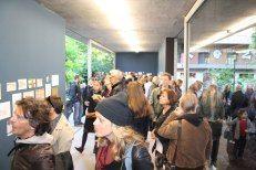 Impressionen von der letzten, blauen Vernissage der Anonymen Zeichner (c) Foto von Susanne Haun (1)
