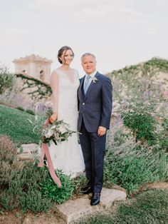 Photography: http://www.gianlucaadovasio.it/ | Floral design: http://www.instagram.com/larosacaninafirenze/?hl=en | Wedding dress: http://moniquelhuillier.com | Venue: http://monteverdituscany.com/ | Read More: https://www.stylemepretty.com/2018/01/15/romantic-tuscan-wedding/