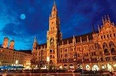 Marienplatz: Munich, Germany