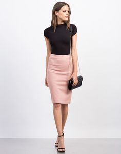 The easiest piece to go from work to play. This knee-length Side Zipper Pencil Skirt features a simple solid cut with a silver side zipper for closure. The fabric has a little stretch for an easy fit.