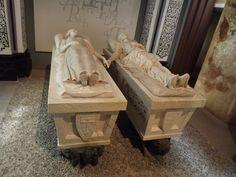 Publicamos el Mausoleo de los Amantes de Teruel.  #historia #turismo  http://www.rutasconhistoria.es/loc/mausoleo-de-los-amantes-de-teruel