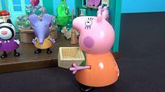 Peppa Pig in italiano. Peppa ed i suoi amici stanno giocando in negozio....