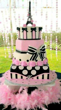 Birthday Cake Pink Black Paris Theme 42 Ideas For 2019 Gorgeous Cakes, Pretty Cakes, Cute Cakes, Amazing Cakes, Paris Themed Cakes, Paris Cakes, Thema Paris, Bolo Paris, Bolo Fack