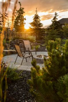 Stone Oasis Circle Firepit in a sunset-filled scene, surrounded by a Flagstone patio. Fire Pit Area, Fire Pits, Outdoor Living, Outdoor Decor, Outdoor Fire, Garden Fire Pit, Flagstone Patio, Cozy Place, Brick