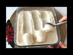 Yaz geldi ve herkes dondurma almaya başladı. Bu günlerde severek yapacağınız bir tarif olan, evde hazırdan farksız dondurma tarifini hemen deneyebilirsiniz. Yaz günlerinde çok tüketilen ve çocukların çok sevdiği dondurmayı bu dondurma tarifini uygulayarak 2 saatte evinizde yapabilirsiniz. İsterseniz bu tatlı tarifini Ice Cream At Home, Make Ice Cream, Ab Diet, New Cake, Turkish Recipes, Summer Treats, Dessert Recipes, Desserts, Ice Cream Recipes