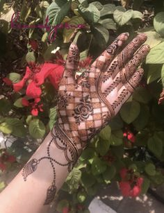 #henne #henna_i #hennabyasna #henna #hennatattoo #hennadesign #henné #henna #henna_art #hennaartist #hennahand #hennalove #hennaart #hennanight #mehndi #mehndiart #mehendi #mehandi #mehndilove #mehndidesign #mehndi_inspire #hennainspire #hennainspo #bangalore #indian #indianstreetfashion #indianfashion #7enna