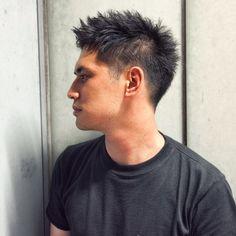 森田 昌範によるオールバック風ベリーショート。スタイリングのテクニックを、有名スタイリストが伝授。