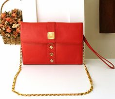 Your place to buy and sell all things handmade Clutch Wallet, Leather Clutch, Handbags, Trending Outfits, Shoulder, Unique Jewelry, Handmade Gifts, Red, Vintage