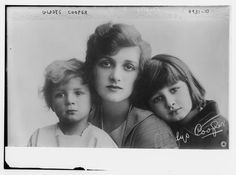 Gladys Cooper and Children. British hand-painted postcard by Rotary, no. S Photo: Rita Martin. Vintage Photographs, Vintage Images, Mother Images, Postcards For Sale, Vintage Mom, Vintage Black, Female Reference, Black And White Pictures, Black White