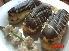 Learn how to make Eclere Romanian Desserts, Creme, Sushi, Cake Recipes, Sausage, Deserts, Sweets, Ethnic Recipes, Food