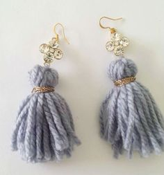 ZOE Wool Tassels Earrings- Orecchini con nappe in lana e ciondolo in strass