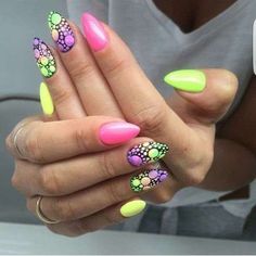 Unghie gel estive a punta fluo - Unghie gel estive a punta fluo Unghie gel estive a punta fluo Crazy Nails, Love Nails, Pretty Nails, My Nails, Gorgeous Nails, Neon Nail Art, Neon Nails, Bright Gel Nails, Types Of Nails Shapes