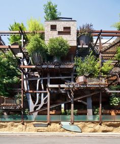 Urban Treehouse Protect from Air and Noise Pollution_1