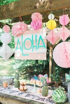 Since Vivi just finished up pre-k, my friend Alea and I hosted a little luau for our girls' class as they will all be scattering to different places and schools