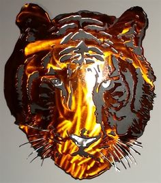 Two layered Tiger head metal wall art.