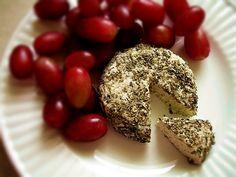 Raw vegan nut cheese