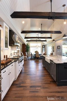 beams on ceiling smart design wood beam ceiling charming ideas best ideas about wood ceiling beams Wood Ceilings, Ceiling Beams, Kitchen With Vaulted Ceiling, Room Decor For Teen Girls, Casa Loft, Kitchen Flooring, Kitchen Wood, Kitchen Cabinets, Dark Cabinets