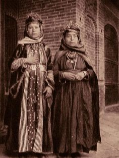 Bejeweled Chaldean women of Tel Keppe near Mosul (northern Iraq).  Early 20th century.  Tel Keppe historically was the center of the (Assyrian) Chaldean Catholic community of Iraq.