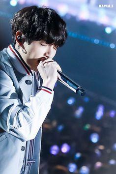 Jungkook being cool guy Jungkook 2018, Jungkook Oppa, Bts 2018, Jung Kook, Bts 4th Muster, Bts Beautiful, Busan South Korea, Bts Twt, Bts Concert