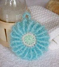 Spülschwämme NO : 6 werden jetzt zu Peeling / Duschblumen | Diy Crochet And Knitting, Crochet Granny, Crochet Hooks, Creative Bubble, Scrubby Yarn, Knitting Patterns, Crochet Patterns, Crochet Kitchen, Craft Fairs