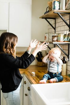 Modern Lifestyle Family Photography At Home in the South – Southern Motherhood Source by nickycjones Our Reader Score[Total: 0 Average: Related photos:Bubble Trouble 💙 ERWARTUNGEN beim Kauf einer Bubble-Maschine (etwas . Lifestyle Photography, Photography Poses, Modern Photography, Indoor Family Photography, Toddler Photography, Photography Outfits, Friend Photography, Glamour Photography, People Photography