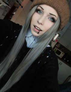 lillalexandras:  I'm getting old, look at all that grey hair //3
