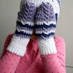 Ripple slouchy mittens