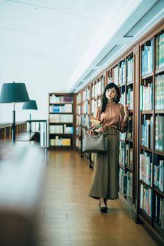 「もしも、乃木坂46・齋藤飛鳥がOLだったらーー」OLコーデ27枚を一挙公開♡ 結婚できる正解コーデ - with online - 講談社公式 - | 恋も仕事もわたしらしく Cute Cafe, Seat Covers, Asian Style, Art And Architecture, With, Asuka Saito, Idol, Kawaii, Girls