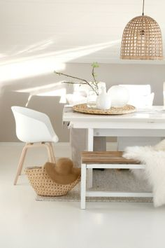White and wood interiors - Trendy Home Decorations Decor, Interior, Dining Room Lighting, Home Decor, Room Inspiration, House Interior, Home Deco, Dining Room Inspiration, Interior Deco