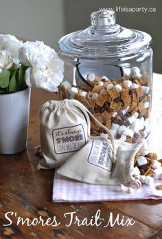S mores Trail Mix -Easy recipe that everyone loves, plus a free printable to make the sweet little favour bag, the perfect summer gift.