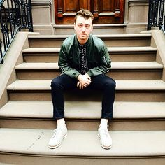"""""""Stooping"""" - Sam Smith in NYC"""